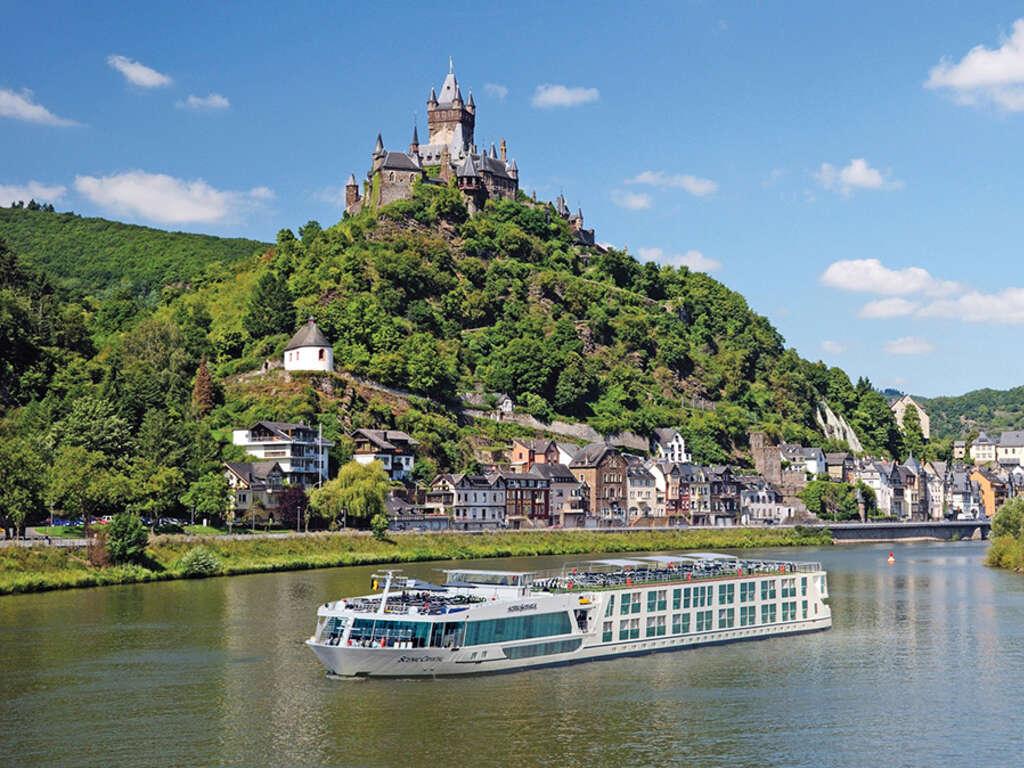 Castle River Cruise